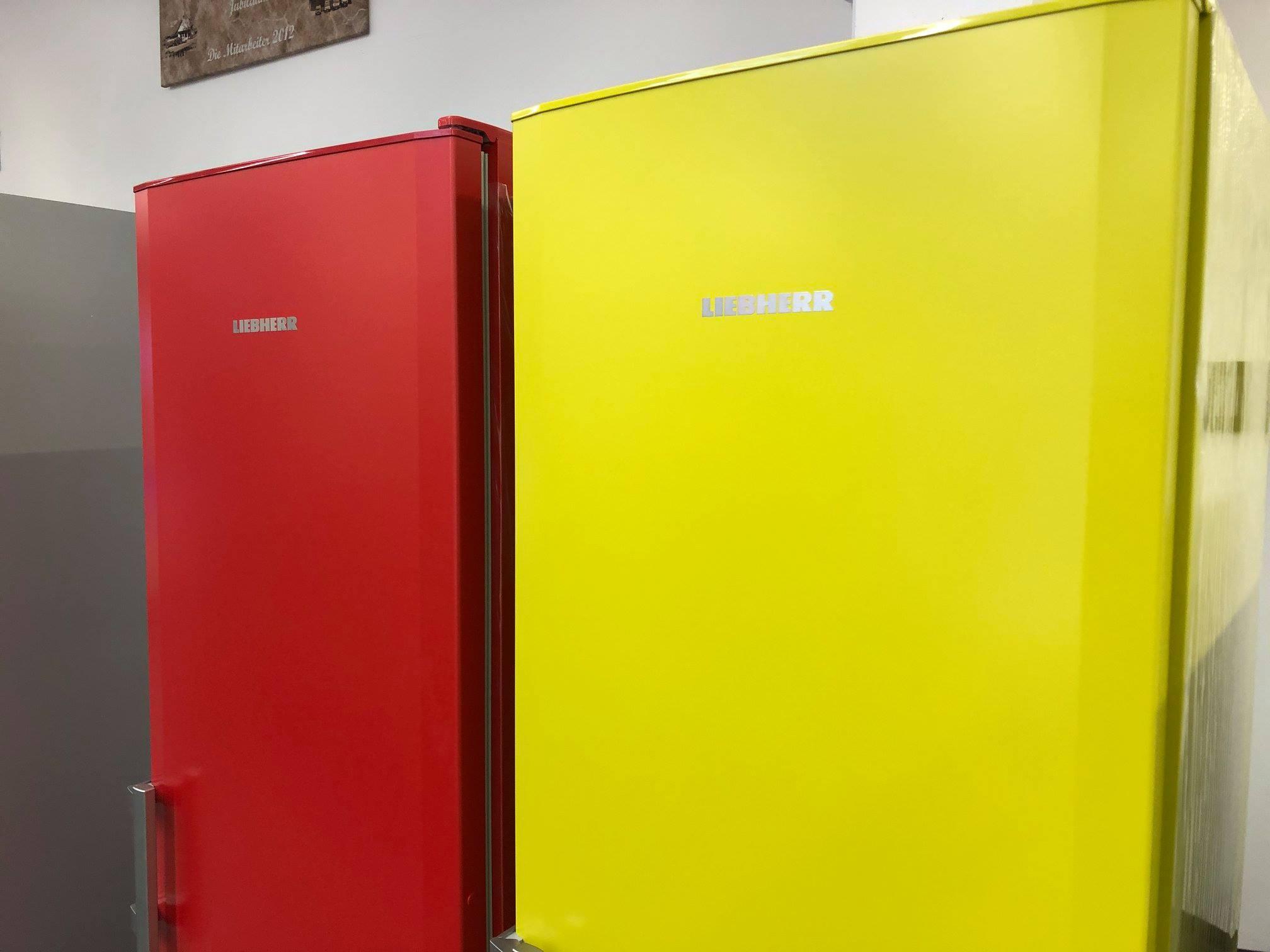 Die Stand Kühl Gefrierkombination Von Liebherr Besticht Durch Knallige  Farben Und Komfortablen Extras. Dank Der SmartFrost Technologie Müssen Sie  Dieses ...